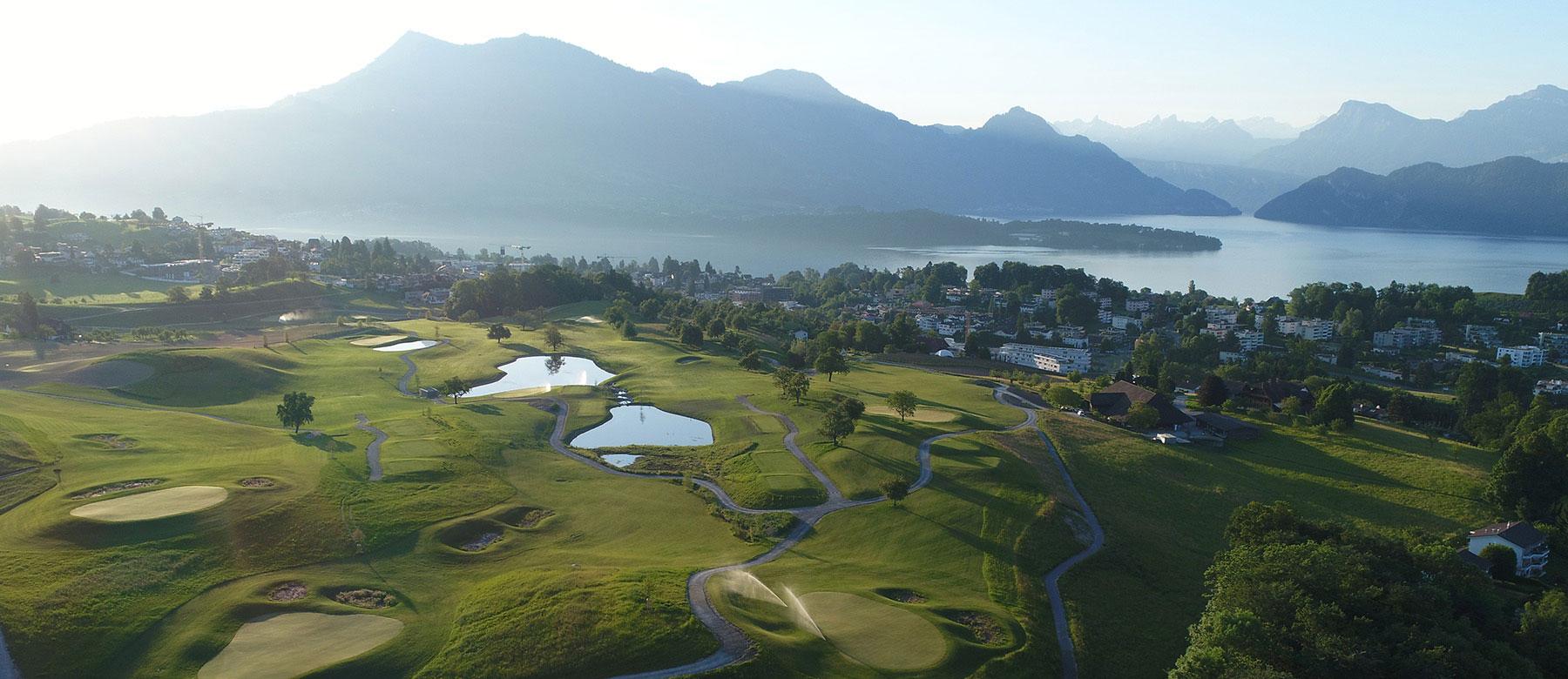 <span class='cycle-icon '></span><span class='cycle-title'></span><span class='cycle-subtitle'>Mit Golfsuisse sind wir der Meinung, dass es viele sehr gute Gründe gibt, Golf zu spielen. Golfen ist für jedes Alter geeignet, hält fit und kann Ihnen unvergleichliche Naturerlebnisse bereiten. Golf ist Sport in und mit der Natur. </span>